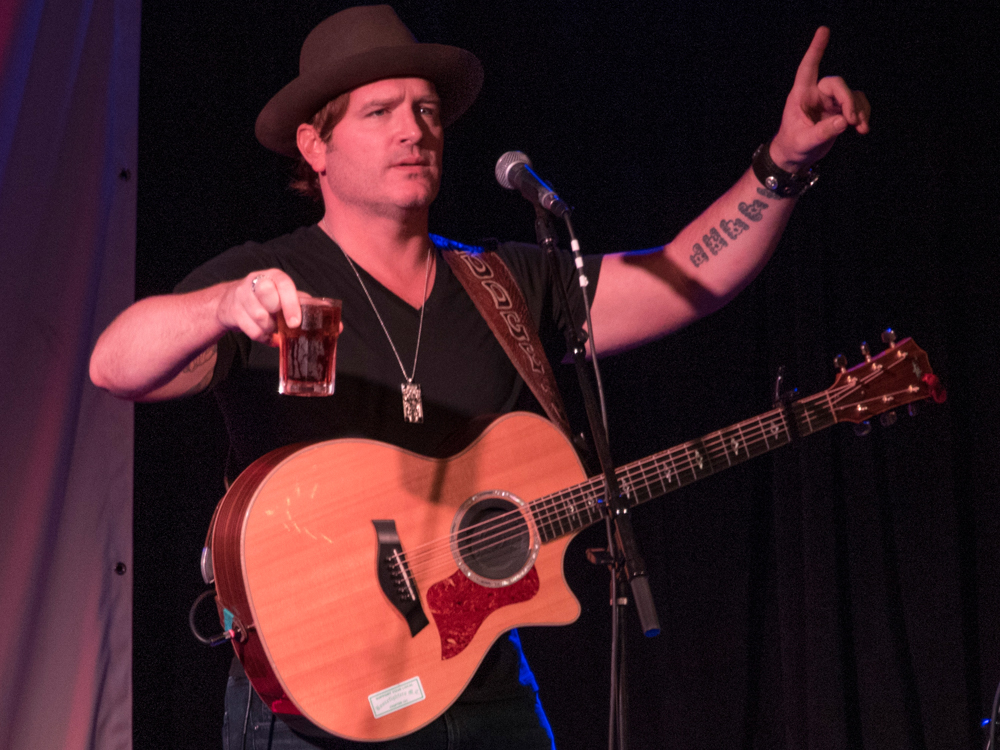 "Jerrod Niemann Announces ""Tallboys & Short Stories Tour"""