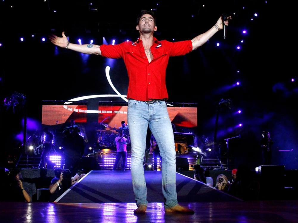 """Taking """"Big Chance"""" With New Single, """"I Was Jack (You Were Diane),"""" Is Paying Off for Jake Owen"""