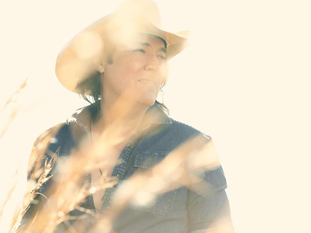 "After More Than a Decade, David Lee Murphy Chases — and Finds — Another Hit With ""Everything's Gonna Be Alright"""