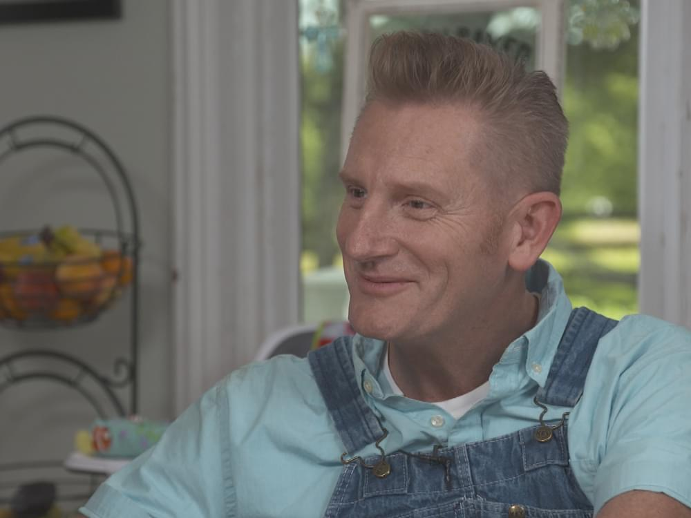 "Watch Rory Feek's Profile on ""CBS Sunday Morning"" as He Talks About 3 Daughters: Hope's Coming Out, Heidi's Atheism, Indiana's Down Syndrome"