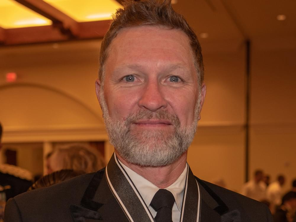 Craig Morgan Receives One of the U.S. Army's Highest Civilian Awards