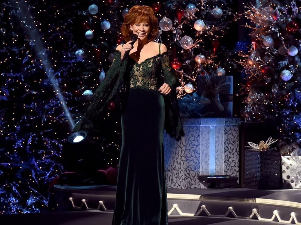 "Brad Paisley 2020 Cma Country Christmas Reba McEntire Returns to Host ""CMA Country Christmas"" With Brad"