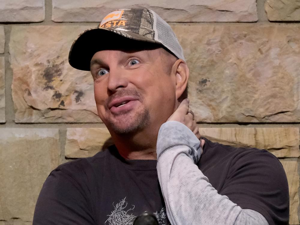 """""""Fired Up"""" Garth Brooks Looking Forward to """"Helicopter Crowd Shots"""" During Notre Dame Stadium Concert TV Special"""