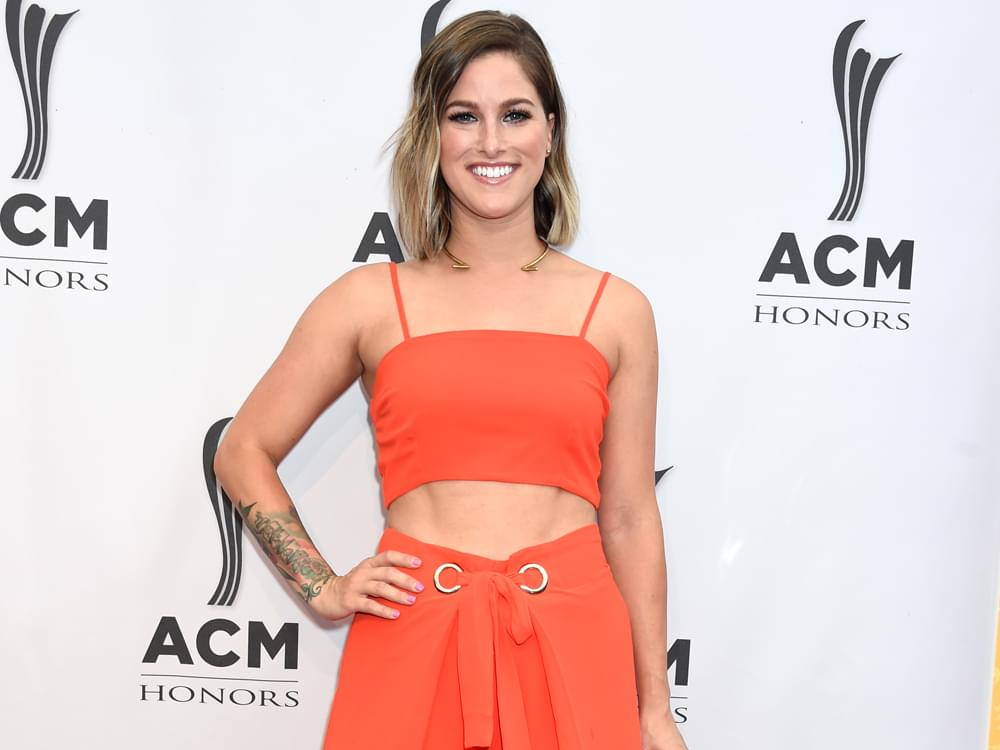 "Cassadee Pope to Drop Sophomore Album, ""Stages,"" on Feb. 1"