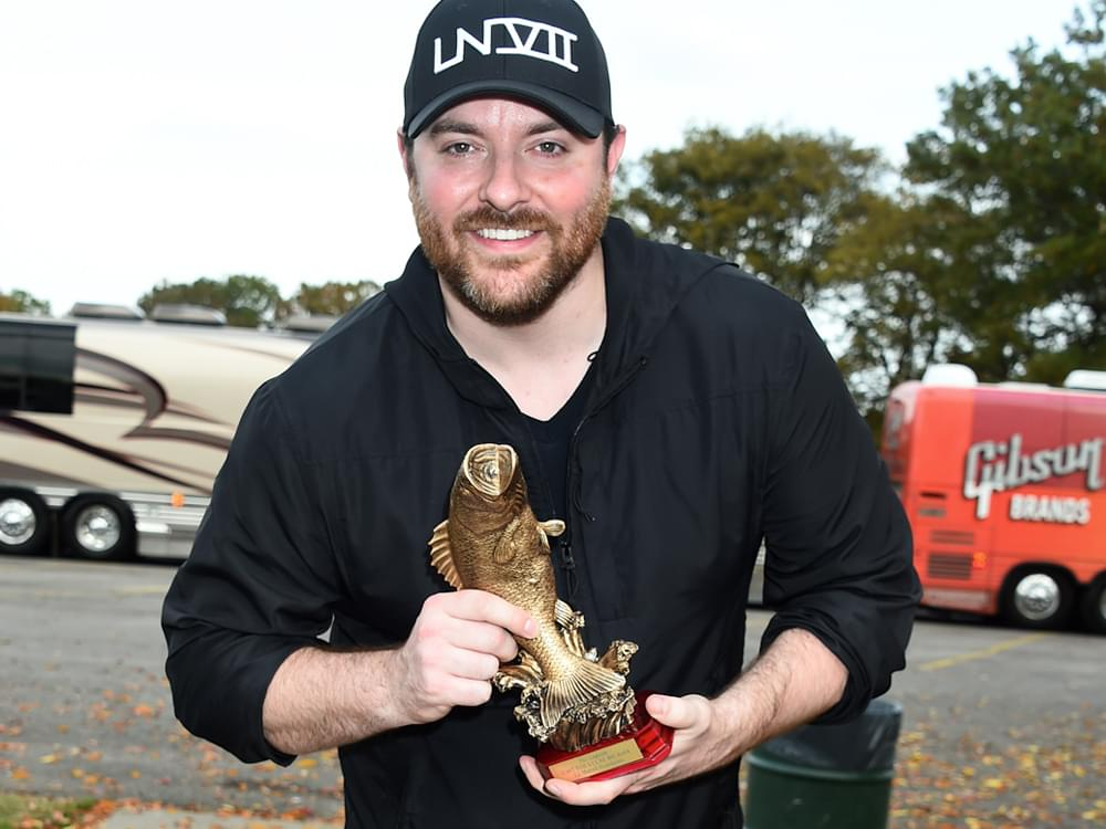 Chris Young Invites Fans to Catch Fish, Hear Tunes & Fight Cancer in 3rd Annual Event