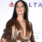 "Kacey Musgraves Releases ""Glittery"" Holiday Tune [Listen]"