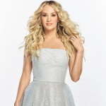 Carrie Underwood Keeps Fans AFlutter A Little Bit Longer