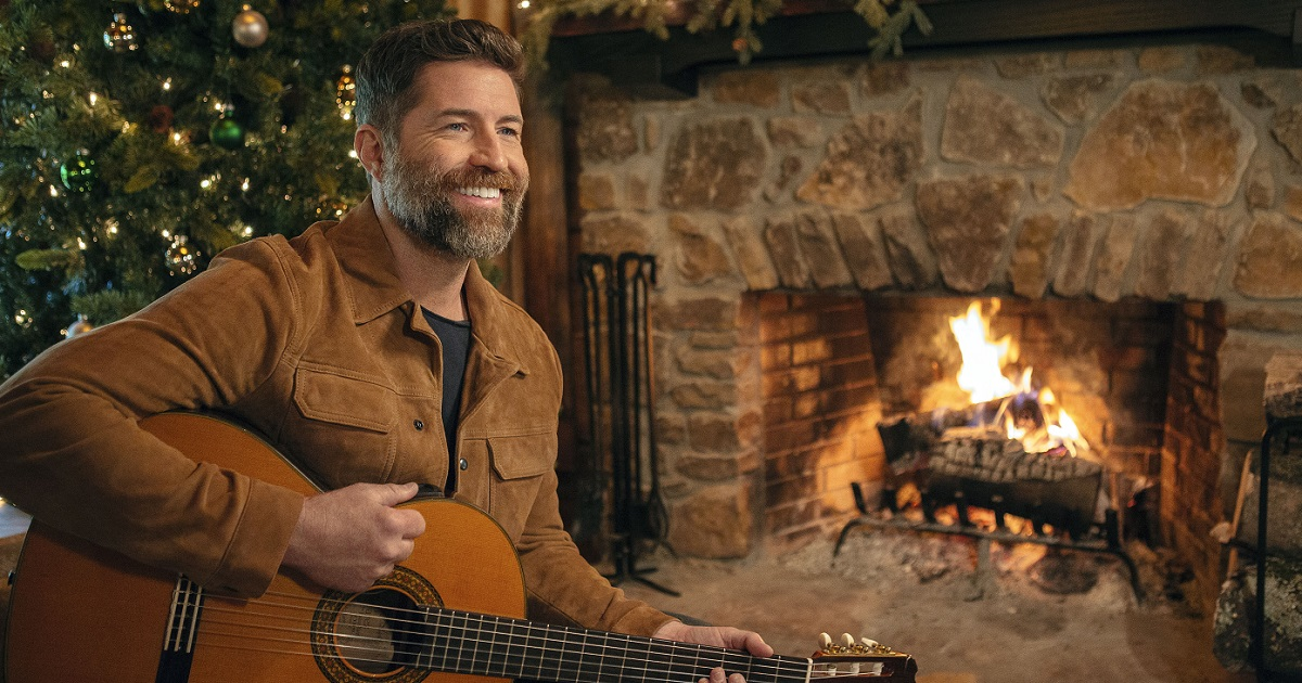 Josh Turner's King Size Manger is Available Now