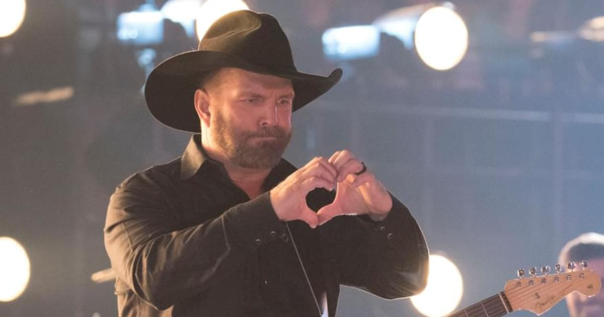 Hurt Hand Forces Garth Brooks to Reschedule Preview of His New Album to Oct. 26