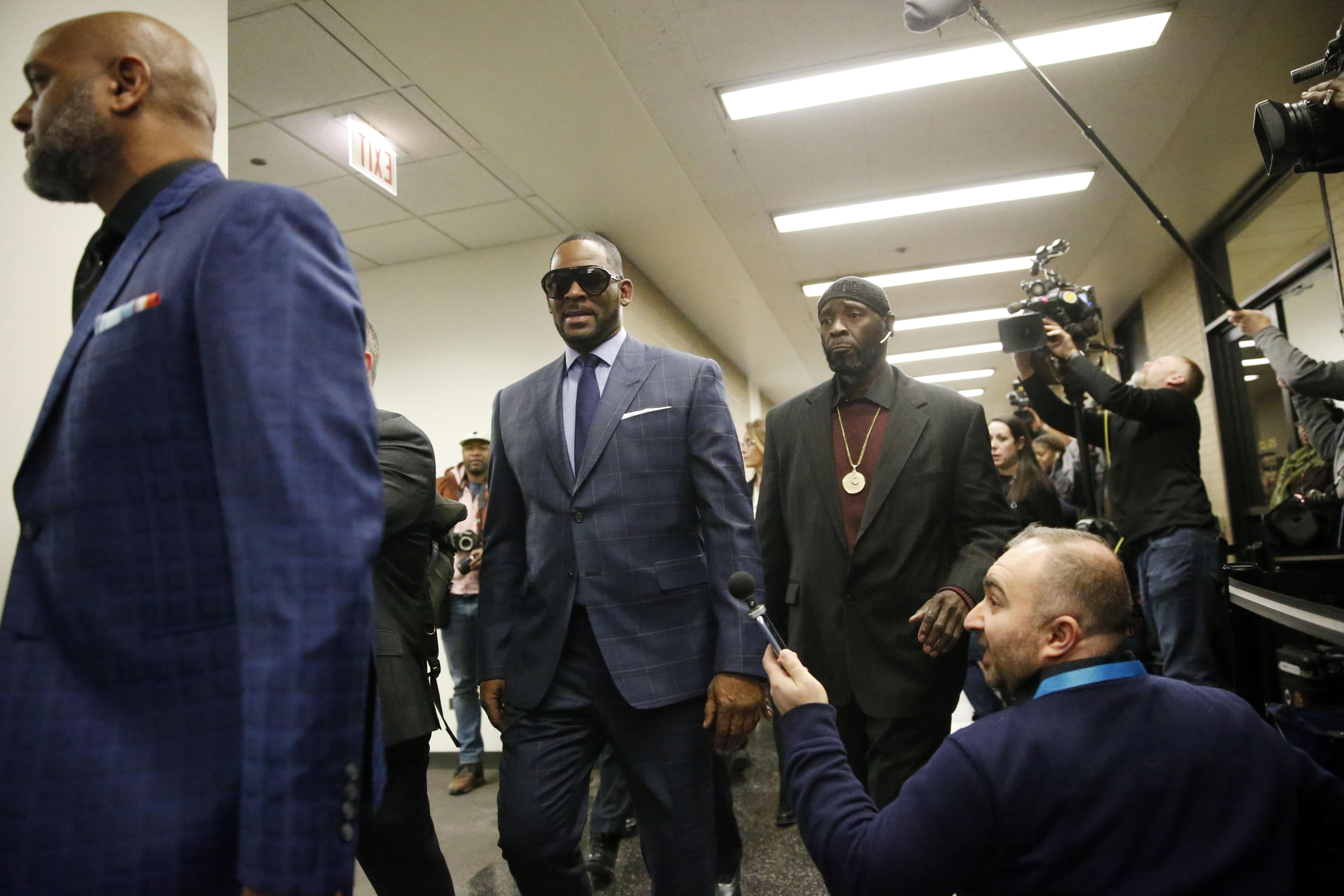 R Kelly Arrested For UNPAID Child Support