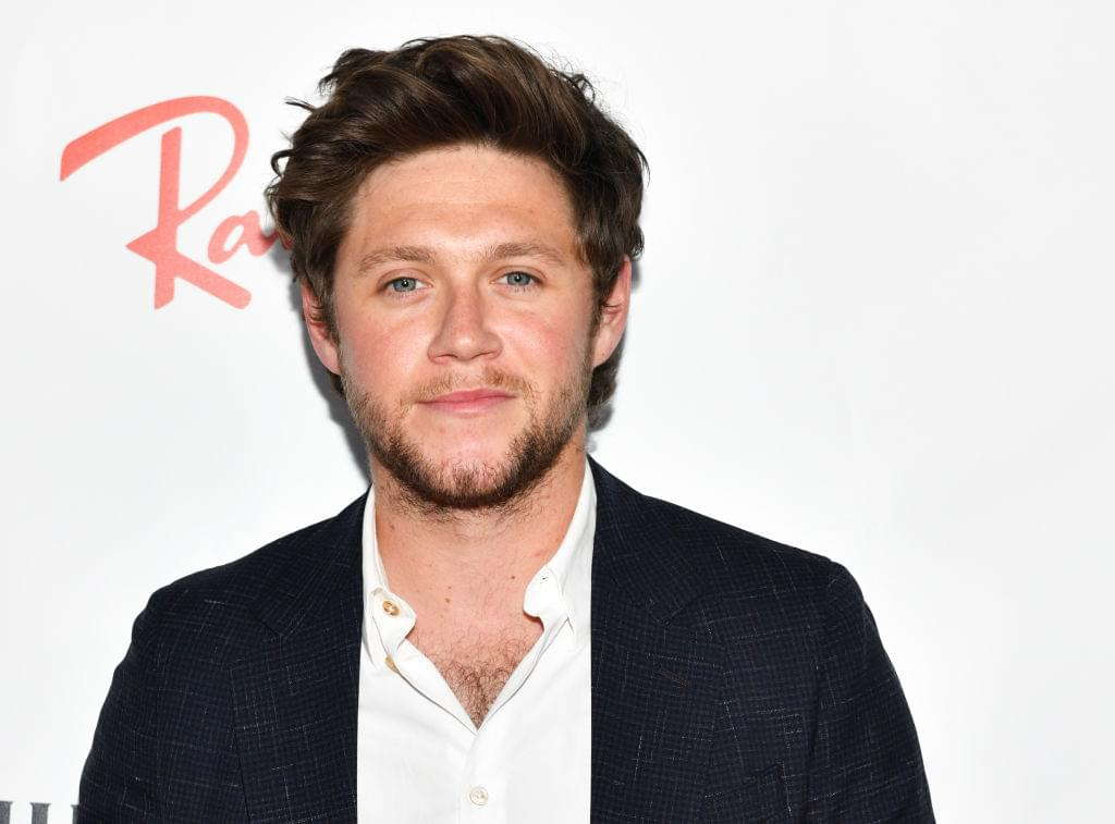 Niall Horan Reads 'Twas The Night Before Christmas And I'm Not Ok [WATCH]