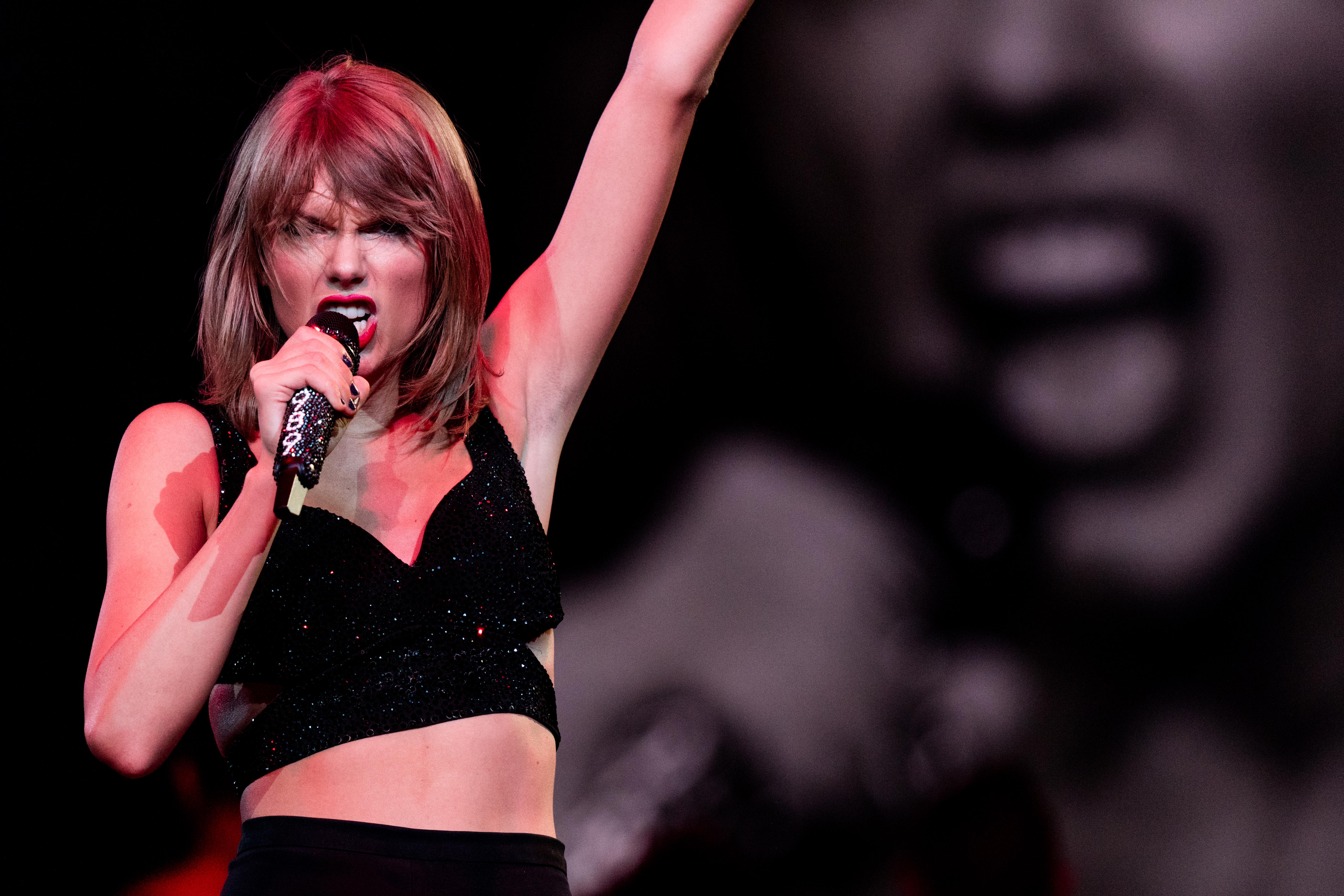 Taylor Swift's Album Spikes To Top Of Charts After City Of Lover Concert