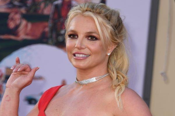 People Want Oprah Winfrey To Interview Britney Spears Next