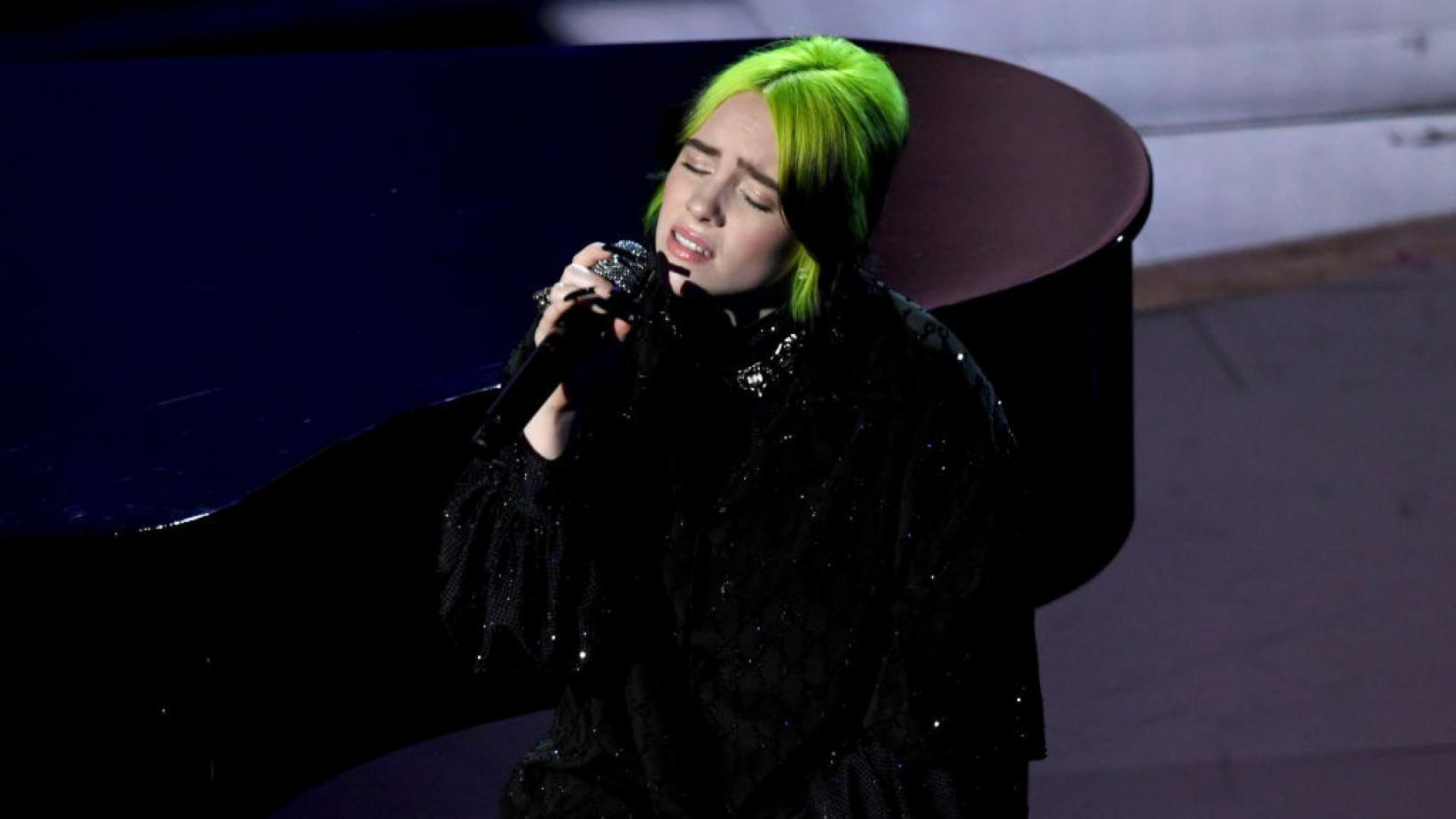 Billie Eilish Covers 'Yesterday' at The Oscars