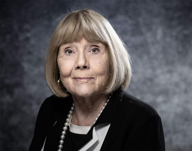 dame diana riggs