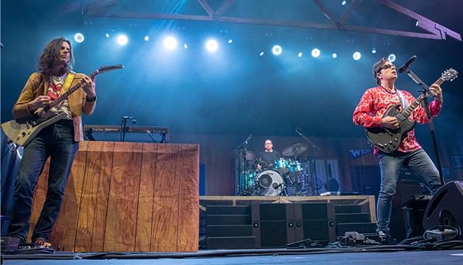 Weezer & Pixies Rock the MODA Center