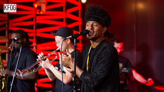 "KFOG Private Concert: Con Brio – ""Money"""