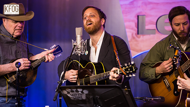 "KFOG Private Concert: Dan Auerbach – ""Waiting On A Song"""