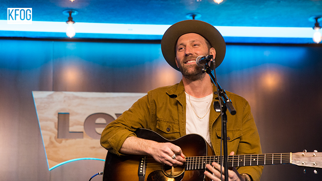 "KFOG Private Concert: Mat Kearney – ""Hey Mama"""