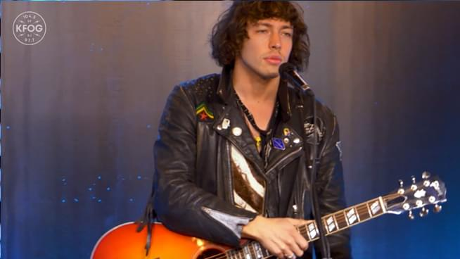 "KFOG Private Concert: Barns Courtney – ""Fire"""