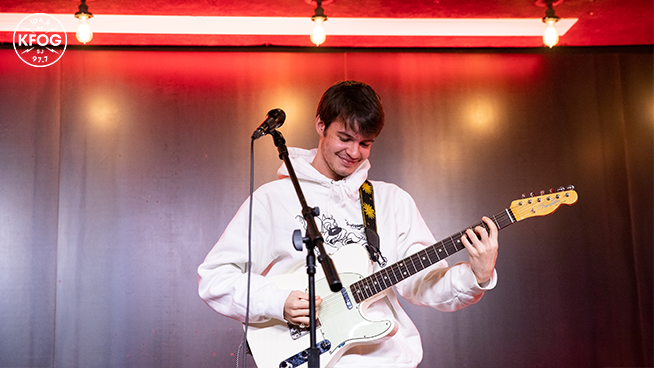KFOG Studio Session: Rex Orange County – Interview