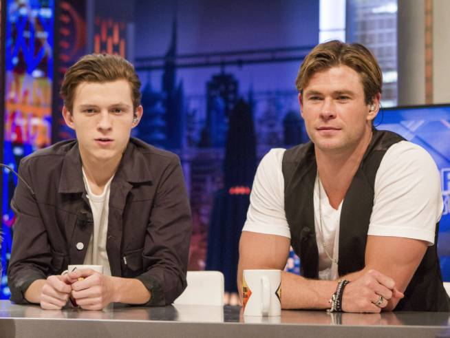 Watch: Chris Hemsworth and Tom Holland Insult Each Other In Interview