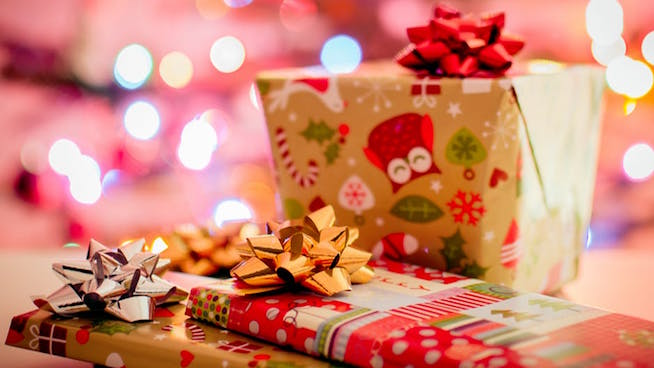 Holiday shopping trends and tips