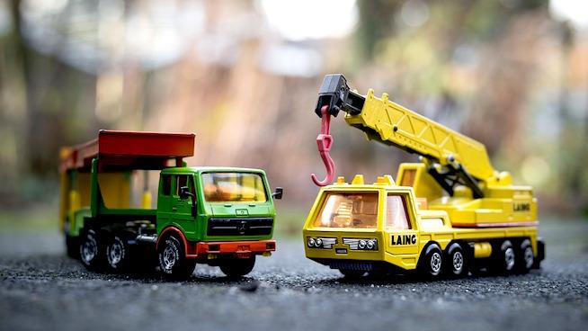 Dangerous toys on store shelves to avoid!