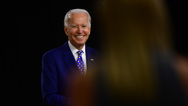 Ronn Owens Report: Comparing media coverage of Biden's stumble boarding Air Force One