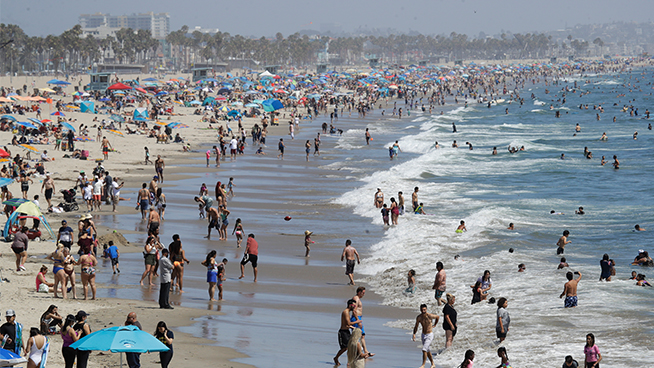 Heat waves and wildfires: is California a dangerous place to live?