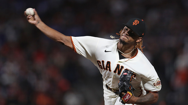 Giants' magical season ends on questionable check-swing call