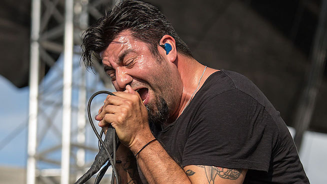 Deftones Frontman Chino Moreno Breaks Foot On Stage