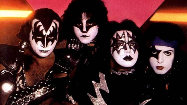 Former Kiss Guitarist Ace Frehley Slams Gene Simmons in Angry Facebook Post