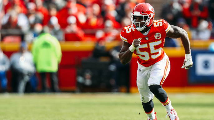 After tendinitis turned him 'dysfunctional,' Dee Ford says knee is healthy as ever