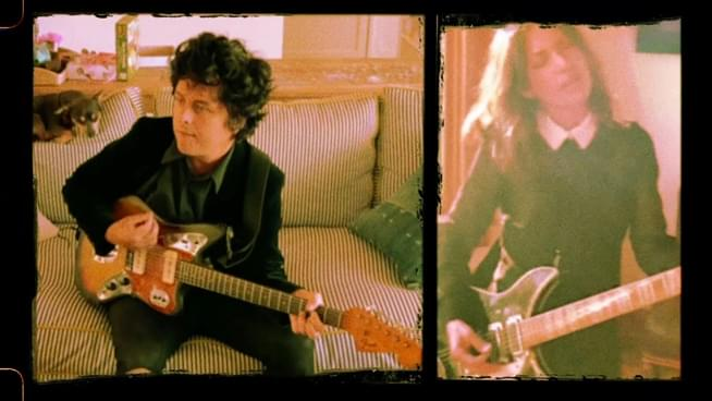 "Billie Joe Armstrong teams up with Susanna Hoffs of The Bangles for ""Manic Monday"" cover"