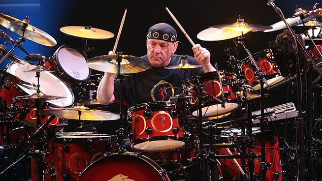 """A Night for Neil"" Tribute Concert to Include Chad Smith, Rick Allen, Taylor Hawkins and More"
