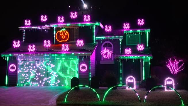 Lamont & Tonelli Talk With the Guy Behind the Metallica Halloween Light Show