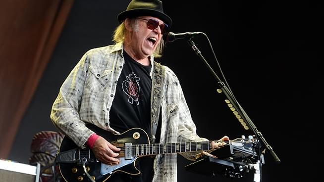Neil Young Makes Archives Free For The Holidays
