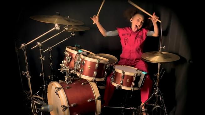 "10 Year Old Drummer Nandi Bushell Covers Slipknot's ""Unsainted"""