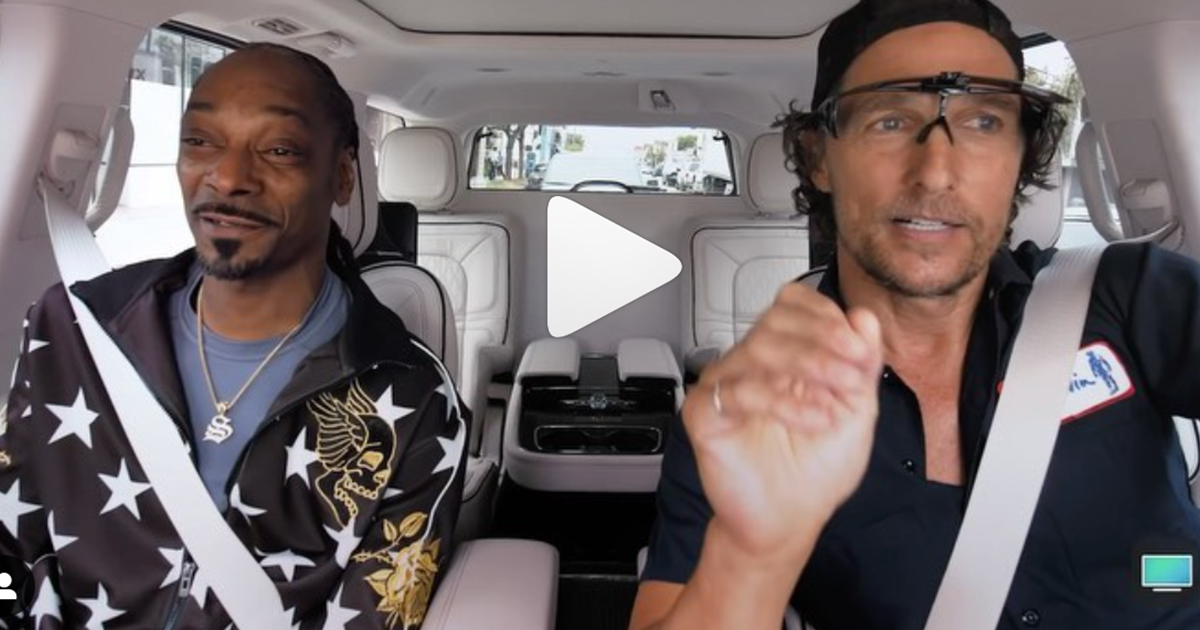 """Snoop Dogg and Matthew McConaughey """"Duetin"""" Together in Car"""