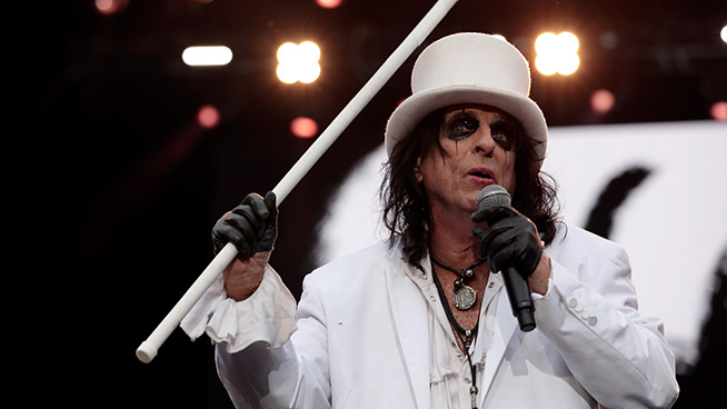 Monsters of Rock Cruise Set to Return in 2022 With Alice Cooper as Headliner