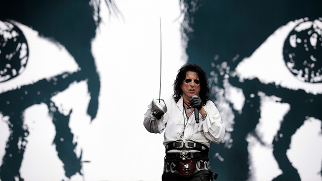 Alice Cooper Auctioning Andy Warhol Art