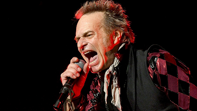 David Lee Roth: 'Every Time I Sing, I Sing As If My Life Depended On It'