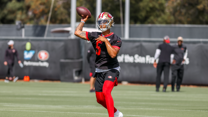 49ers Practice Report: 'Everybody's eyes are locked on him'