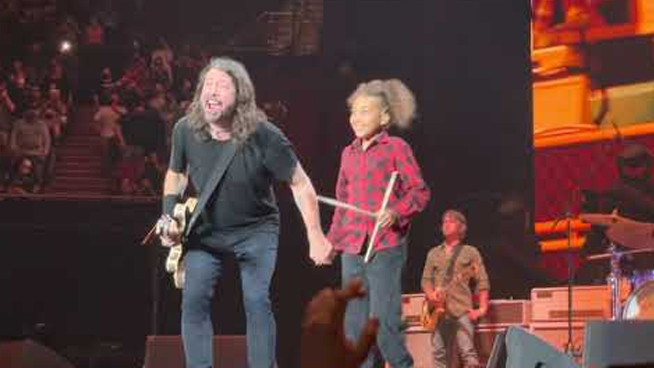 11 Year Old Nandi Bushell Finally Joins Foo Fighters On Stage For 'Everlong'