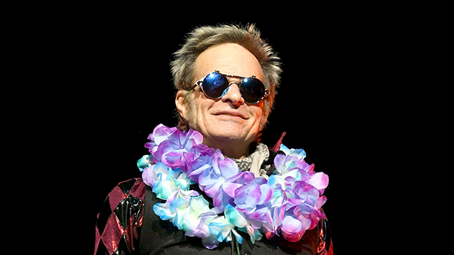 """""""I don't open for bands that I influenced,"""" David Lee Roth Spurns Motley Crue"""
