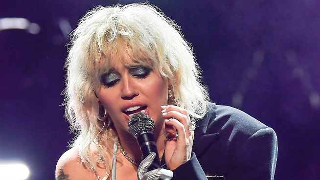 Miley Cyrus Nears On-Stage Panic Attack as Concerts Become the Norm Again