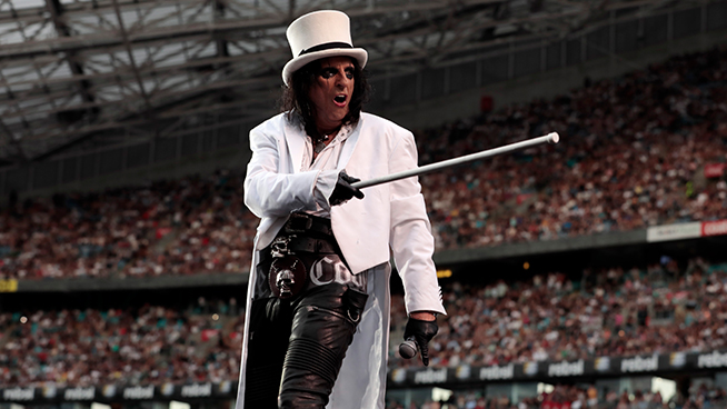 Alice Cooper says he's taken up Tap Dancing during the Pandemic