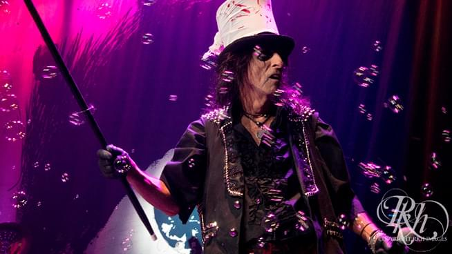 Alice Cooper Satirically Runs for President Again