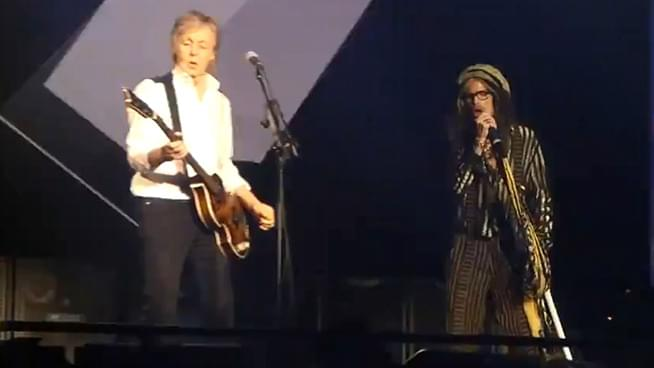 Paul McCartney & Steven Tyler Perform Helter Skelter